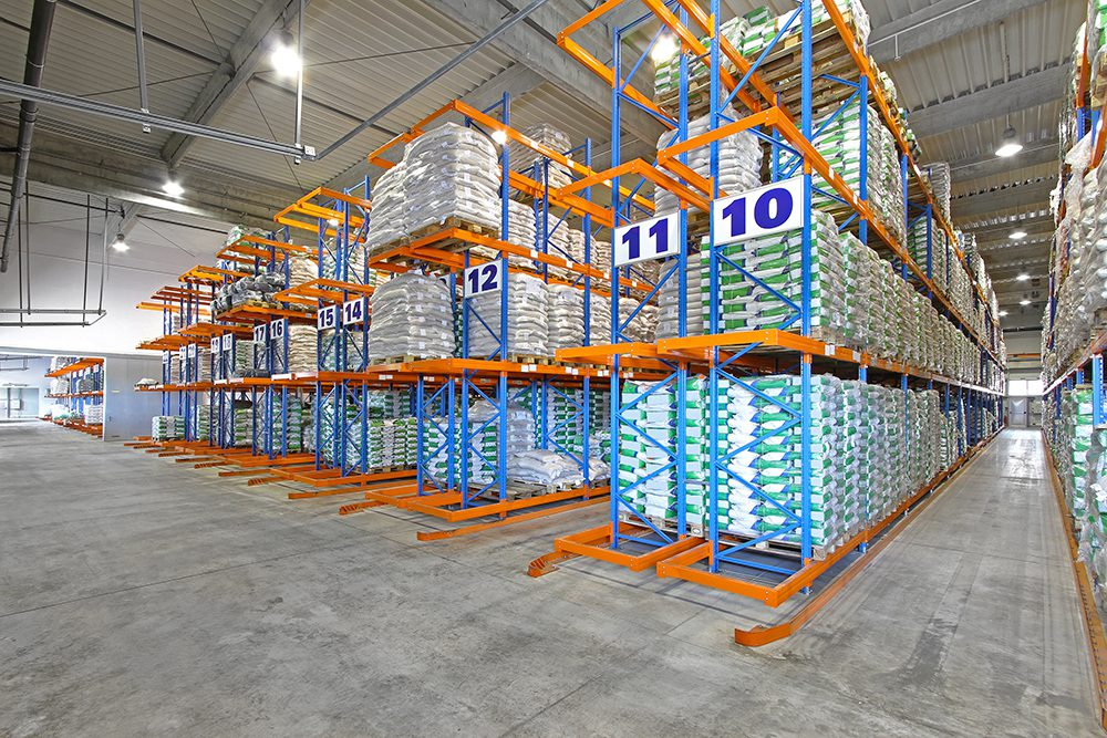 pallet racking in warehouse