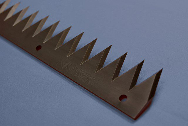 Black Toothed Blade Edge