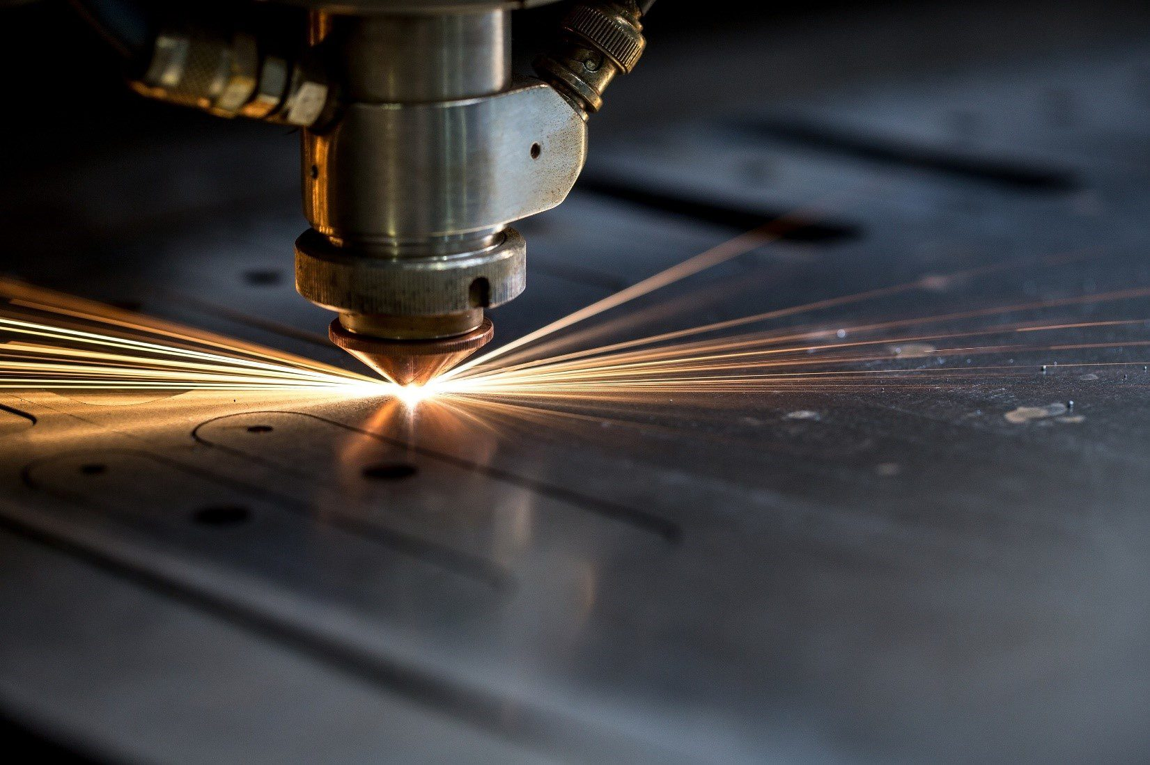 Laser cutting machine cutting metal