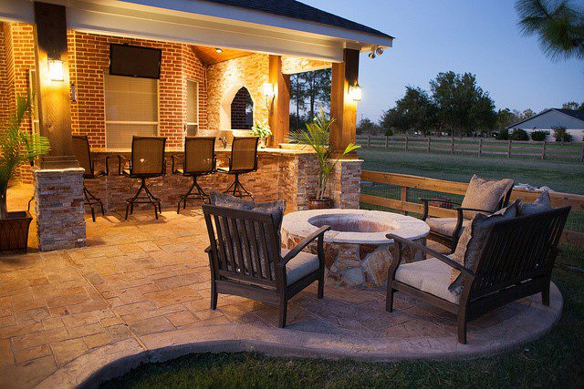 patio furniture and fire pit