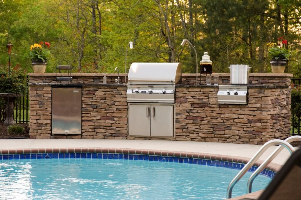Poolside outdoor kitchen