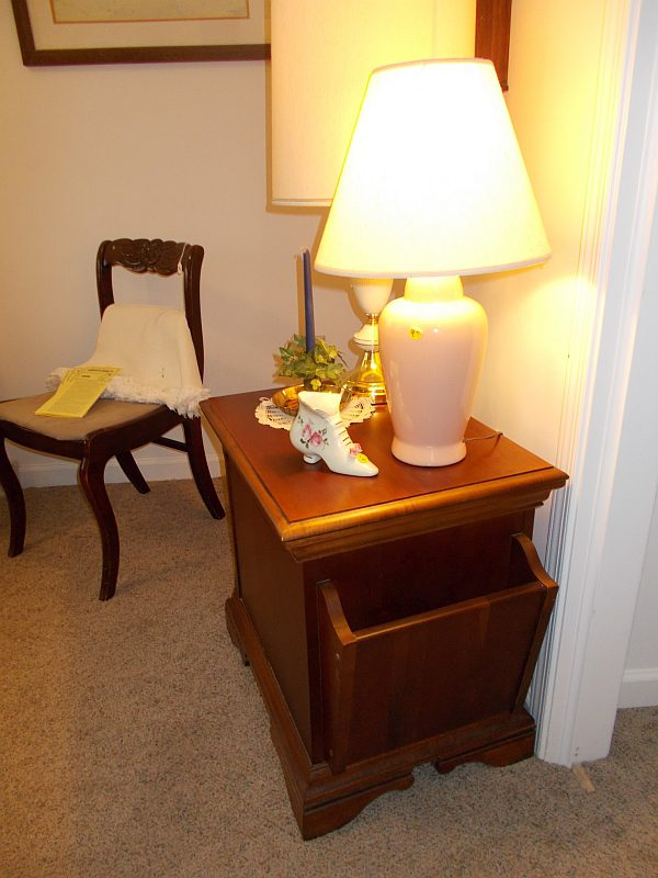 Lamp and table for sale